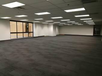Oficina en alquiler, Pozos, Santa Ana. 1025162