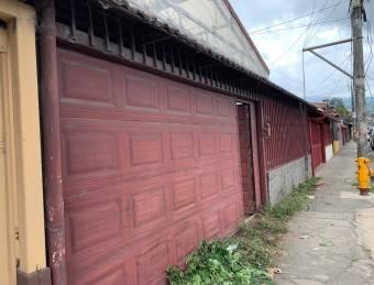 Se vende casa en Mata Platano, El Carmen.