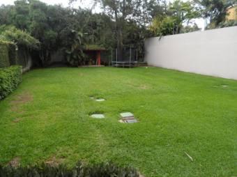 SF Vende Maravillosa Casa Neg. en Condominio Privado y Exclusivo san Rafael Escazu Listing 19-742