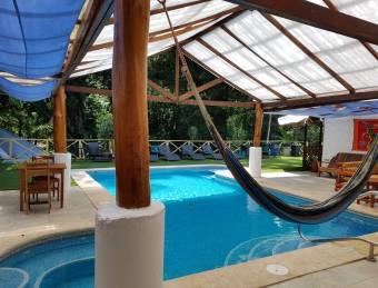 GANGA! MUY LINDO HOTEL A LA VENTA, $ 1,800,000, 16, Limón, Talamanca
