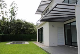 Nueva Casa Contempornea en Valle del Sol-Lindora