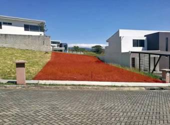 VENTA DE LOTE EN CONDOMINIO TIERRAS DE SANTIAGO, RIO SEGUNDO DE ALAJUELA (RD0488)