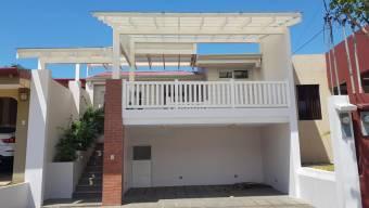 CG-20-642.  Espectacular y Hermosa Casa en Venta.  En AlajuelaRioSegundo.