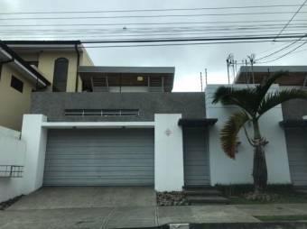 CG-20-576.  Exclusiva y Cómoda Casa en Venta.  En ALAAlajuelaCentro.