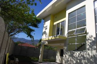 Apartamento en alquiler en Lindora Santa Ana Listing 20-210