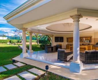Encantadora mansión en La Guacima