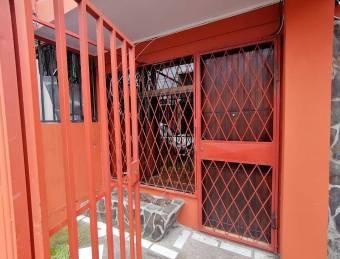 Venta de propiedad con excelente ubicación en Calle Blancos. #20-1976