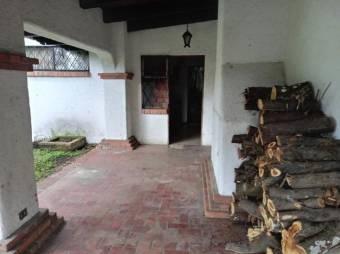 CG-20-815.  Moderna Casa Familiar en Venta. En EscazuCentro.