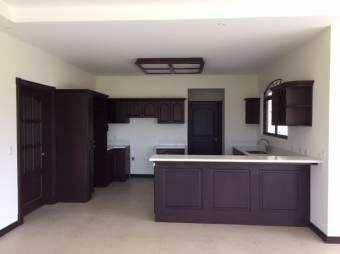 Casa en venta en San Isidro Heredia, residencial cerrado. Cod.2366032