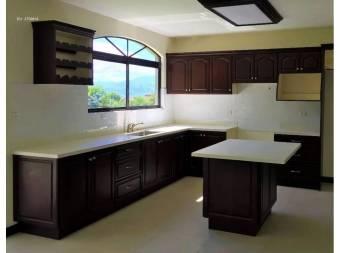 Casa en venta en San Isidro Heredia, Cod. 2365789