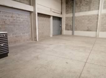 Bodegas en Alquiler en Zapote de San Jose, Comercial -CODIGO 3304539