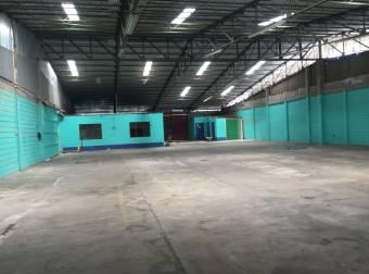 Bodega industrial anden/ trifasico Pavas 864m2 a $4.320 (W-166)