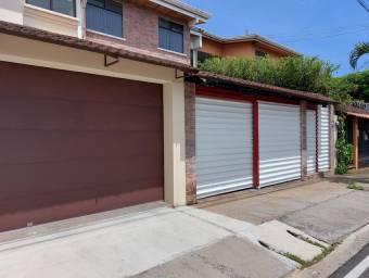 Se vende linda casa en Escazú 21-342