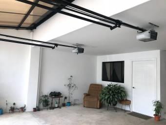 Se alquila cómodo apartamento en Pozos de Santa Ana21-1685