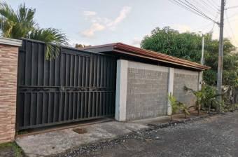 Venta de Casa en zona Tranquila y Centrica en Guapiles