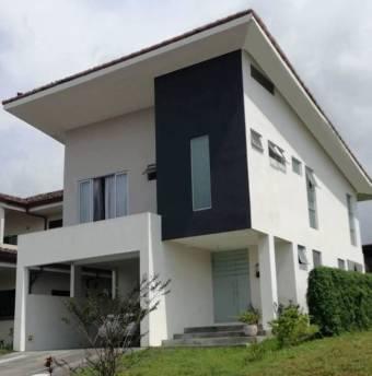 Alquiler de Casa Condominio La Guácima