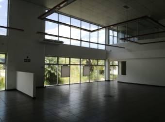 Edificio en alquiler o venta en Escazú, Cod. 2845867