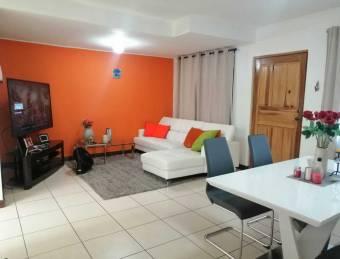 Venta de acogedor apartamento en condominio, seguridad 24/7. Curridabat