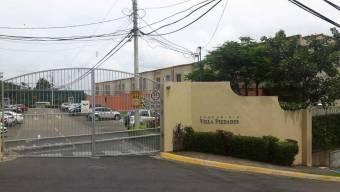 Casa en venta en Santa Ana, San José. RAH 21-1228