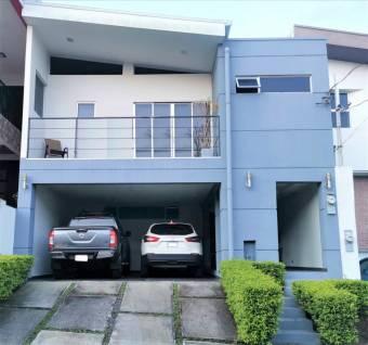 Terrafé, moderna casa en condominio 3 dormitorios.