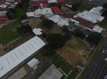 Citymax vende Terreno Industrial  por Mall Paseo las Flores