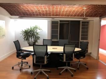 Venta de Oficina con Excelente Diseño y Acabados 155m2 -Escazú