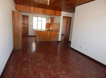 Alquiler / Apartamentp / Freses / Ventilado / Iluminado / Buenos espacios / Fidelitas