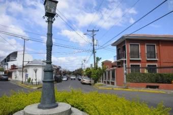 Propiedad Comercial esquinera en Barrio Escalante