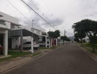 CityMax Vende Casa dentro de Condominio en Heredia San FCO