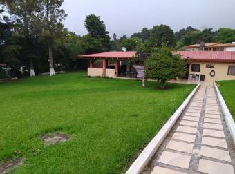 Casa en San Rafael de Heredia
