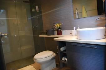 CG-19-913.  Exclusivo Apartamento Familiar en Venta.  En SantaAna.