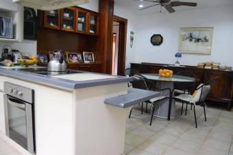 CG-20-406.  Moderna Casa en Venta.  En SantaAnaPozos