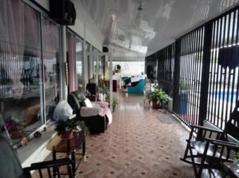 CG-20-1404.  Cómoda Casa en Venta.  En Guápiles.