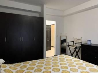 se alquila espacioso apartamento amoblado a 500 metros de city mall 20-1910