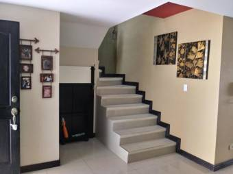 Bella Casa en Venta en Tres Ríos Listing 20-2068