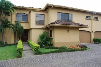 CG-20-405.  Moderna Casa en Venta.  En SanRafaelEscazu.
