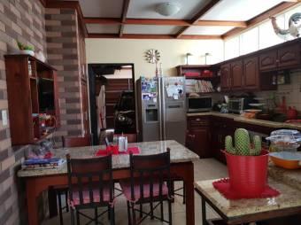 CG-20-374.  Hermosa  Casa  en Venta.  En ALAAlajuelaCentro.