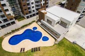 Alquiler de Apartamento Amoblado en Condominio en la Sabana