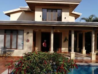 Hermosa Casa en Liberia. Gran Oportunidad.