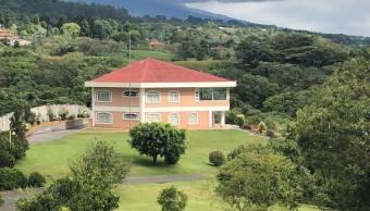 Magnifica Casa con 3 hectáreas Alajuela Grecia