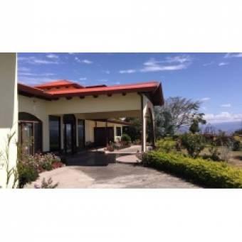 Hermosa Quinta en San Rafael de Heredia