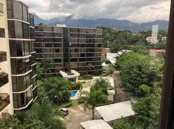 Lujoso Condominio en Bello Horizonte Escazú