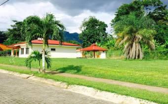 Lots for sale in Villa Verde condominium in Punta Leona Beach at only $ 90 per m2