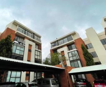 Beautiful apartment in condominium in Escazú. BANK AUCTION