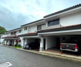 Beautiful 2-level house in condominium in Lindora. Bank auction.