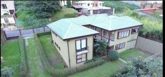 V#519 Espectacular Casa en Venta en Residencial Vista Real.
