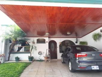 V#459 Hermosa Casa de Venta en El Carmen/Guadalupe.