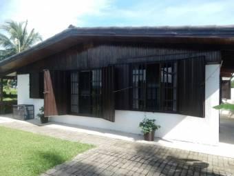 V#455 Preciosa Casa de Venta En Playa Guacalillo.