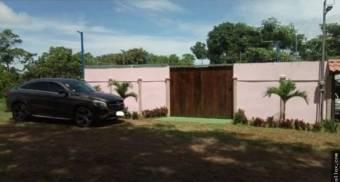 V#406 Casa de Playa en Venta en Puntarenas