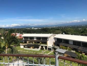Apartamento en Condominio en Santa Ana, Rio Oro
